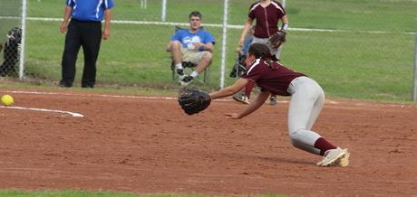 Picture of the Week - Megan Lunging for a Line Drive
